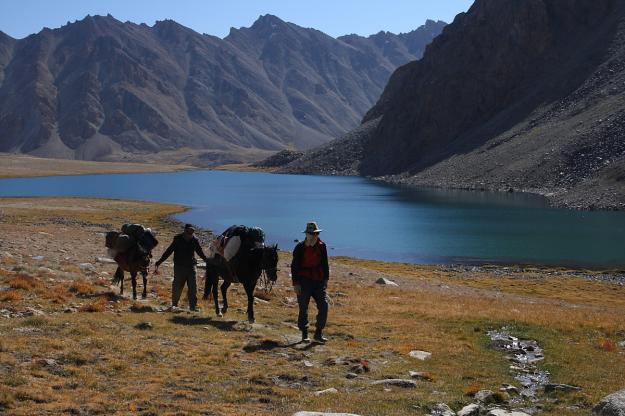 pamir-horse-tajik-70a-towards-zarashkul2